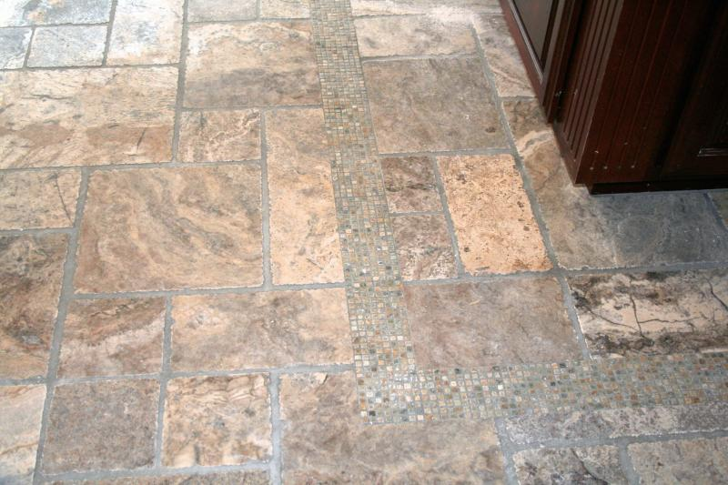 Travertine in Versailles pattern with 1/2 x 1/2 mosaic boarder